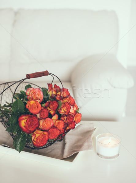 Stok fotoğraf: Güller · sepet · tablo · buket · parlak · beyaz
