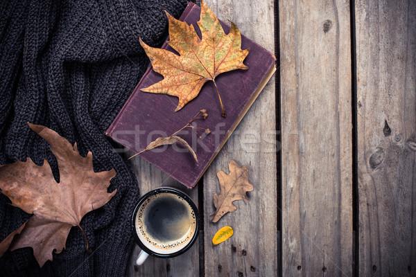 Starej książki trykotowy sweter kubek kawy vintage Zdjęcia stock © manera
