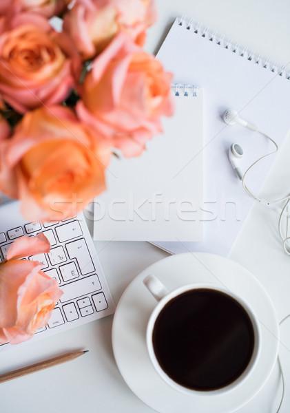 Сток-фото: современных · workspace · ярко · белый · служба · таблице