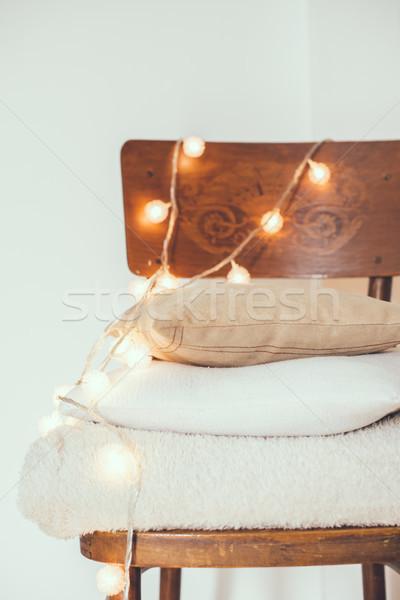 Meleg lakberendezés boglya fehér bézs párnák Stock fotó © manera