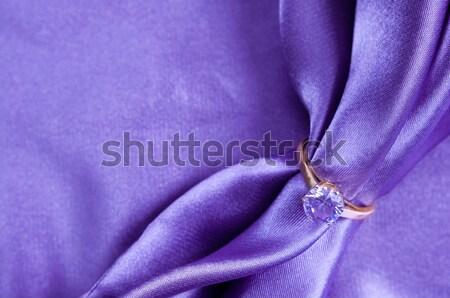 Anello gemma anello di fidanzamento seta tessuto Foto d'archivio © manera