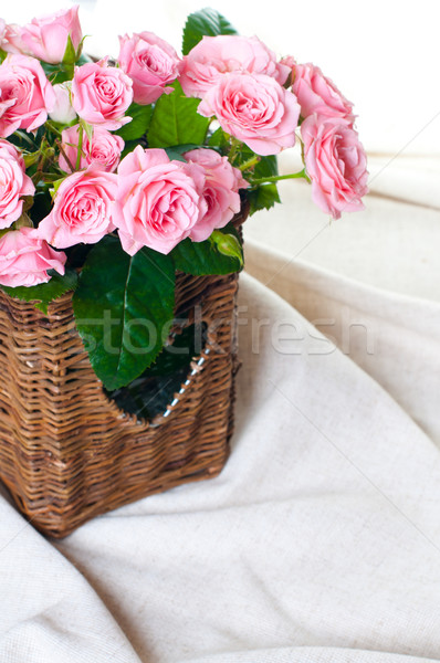 Rosa rosas cesta tecido Foto stock © manera