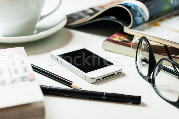 смартфон служба таблице бизнеса объекты книгах Сток-фото © manera
