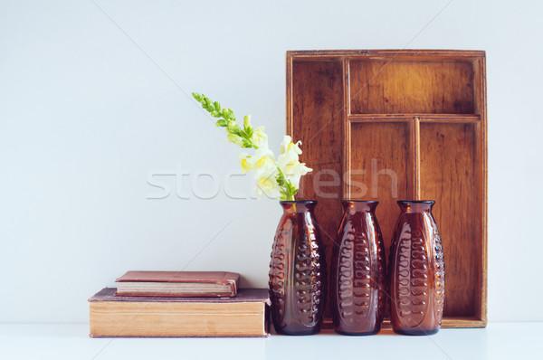 Jahrgang drei braun Glas Blume Stock foto © manera