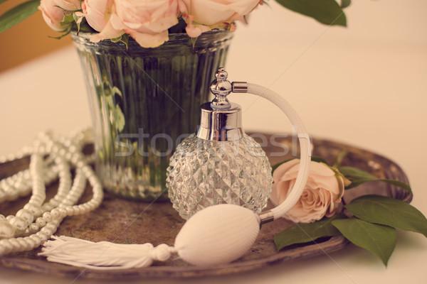 элегантный ретро-стиле Vintage духи бутылку букет Сток-фото © manera