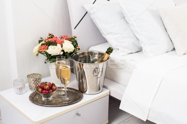 Champagne bed hotelkamer ijs emmer bril Stockfoto © manera