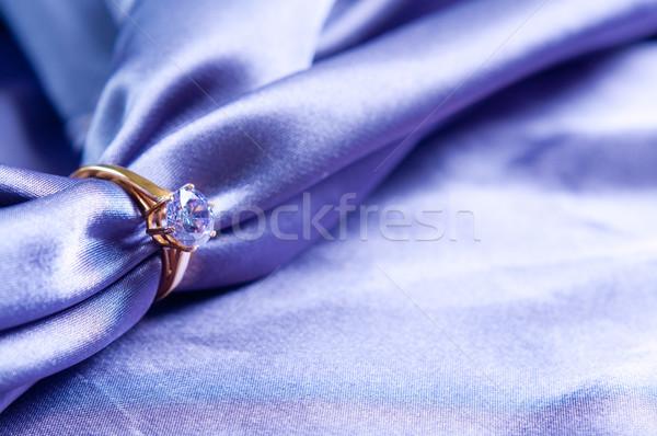 Anneau gemme or bague de fiançailles soie tissu Photo stock © manera