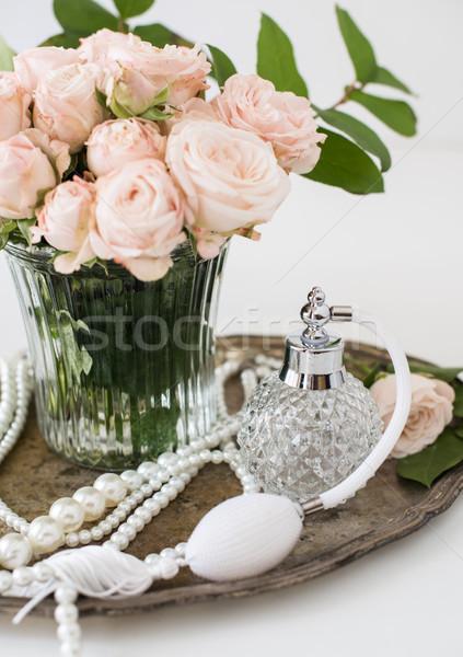 Elegáns retró stílus klasszikus parfüm üveg virágcsokor Stock fotó © manera