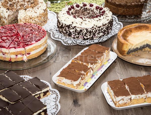 Torta buffet fiesta de cumpleaños alimentos frutas postre Foto stock © manfredxy