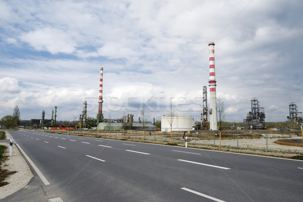 Ipari rom elhagyatott olajfinomító égbolt út Stock fotó © manfredxy