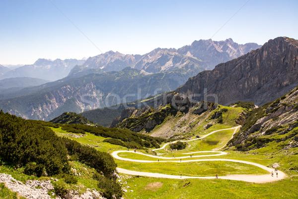 Turystyka ścieżka alpy górskich góry Europie Zdjęcia stock © manfredxy