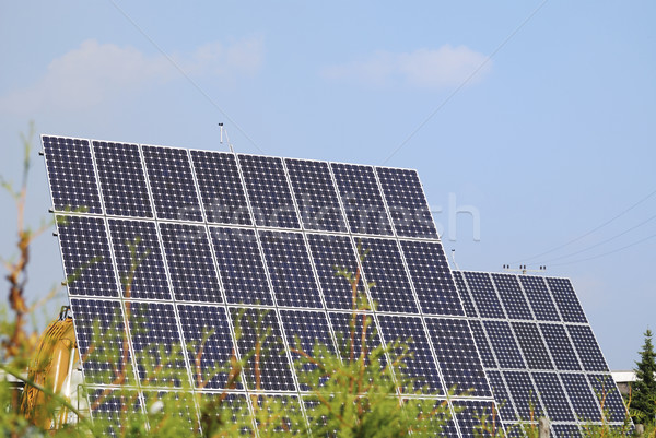 Groene energie alternatief energie zonnepanelen hemel technologie Stockfoto © manfredxy