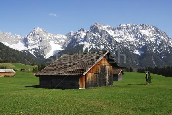 Bergen natuur landschap sneeuw weide schuur Stockfoto © manfredxy