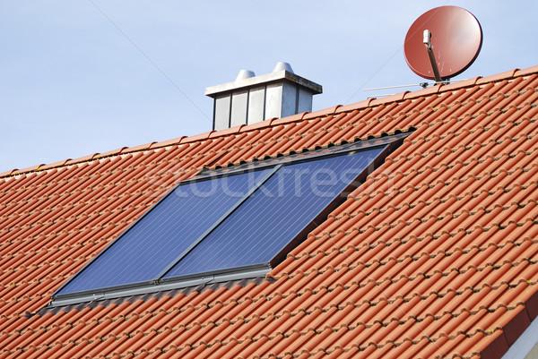 Solaire chauffage toit maison eau environnement Photo stock © manfredxy