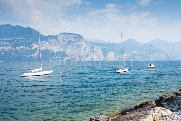 セーリング ボート ガルダ湖 イタリア 水 山 ストックフォト © manfredxy