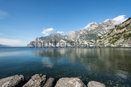 Kustlijn gardameer water Blauw bergen meer Stockfoto © manfredxy