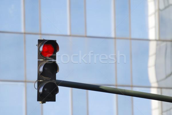 Piros jelzőlámpa üveg homlokzat irodaház ablak Stock fotó © manfredxy