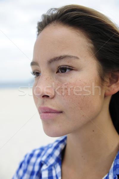 Piękna kobieta plaży portret morza niebo dziewczyna Zdjęcia stock © mangostock