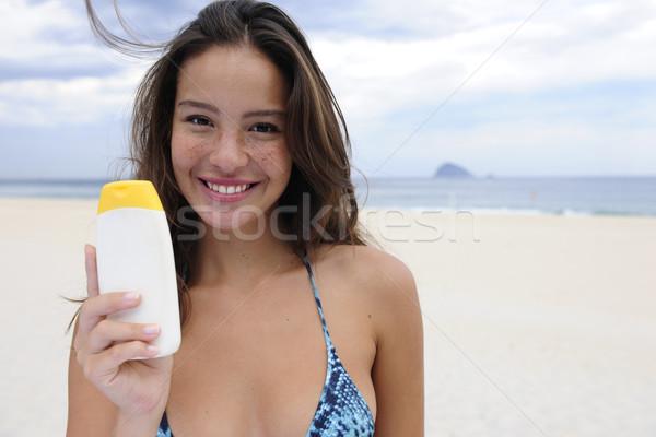 Femme plage souriant heureux bikini Photo stock © mangostock