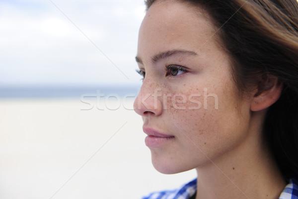 Piękna kobieta plaży kopia przestrzeń portret morza kobieta Zdjęcia stock © mangostock