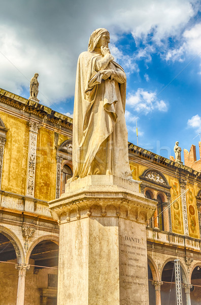 Estátua verona Itália edifício arquitetura europa Foto stock © marco_rubino