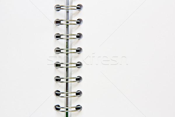 Notepad ouvrir anneaux bureau livre école Photo stock © Marcogovel