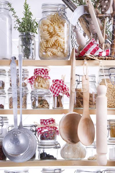 小 パントリー 主婦 必要 食品 キッチン ストックフォト © marcoguidiph