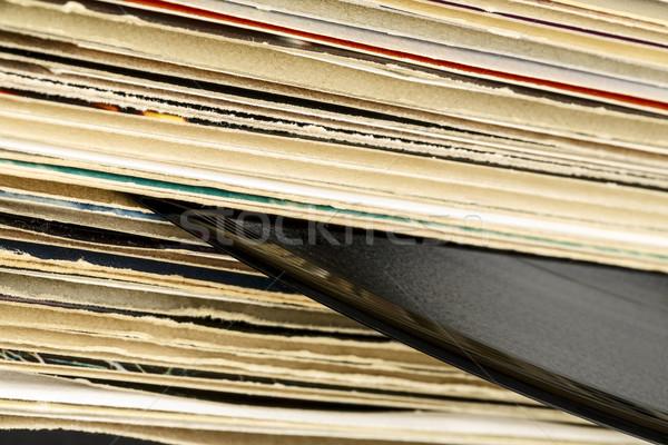 Vinil kayıtlar bir kayıt karton Stok fotoğraf © marekusz