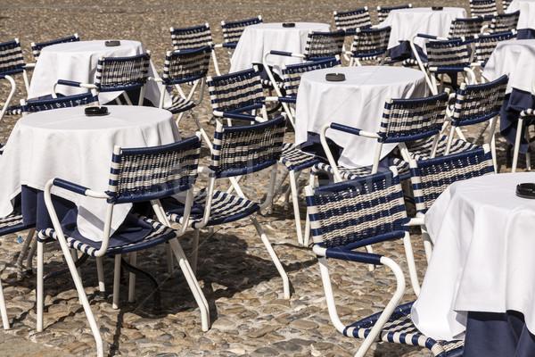 Kávézó utca fedett fehér székek védtelen Stock fotó © marekusz