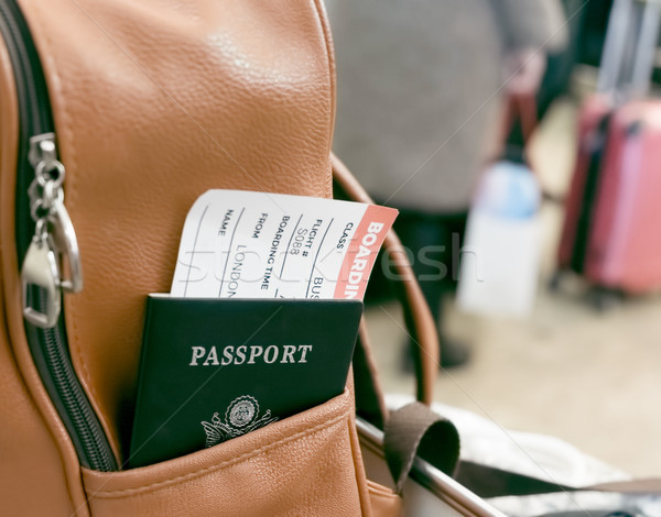パスポート 搭乗 合格 リュックサック ポケット 革 ストックフォト © Margolana