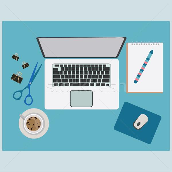 Dolgozik asztal irodaszerek digitális eszközök laptop számítógép Stock fotó © Margolana