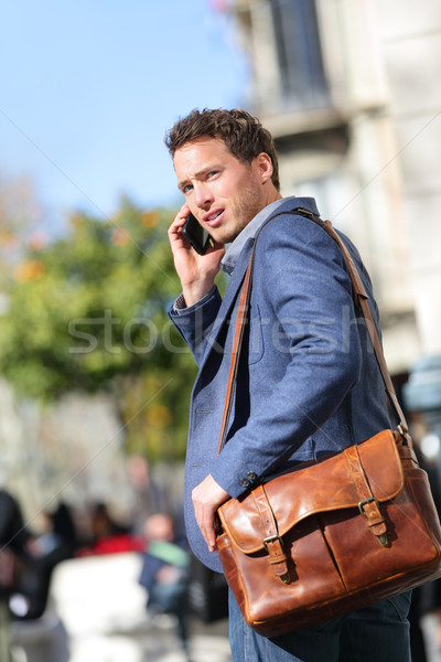 Photo stock: Homme · d'affaires · Barcelone · smartphone · marche · rue