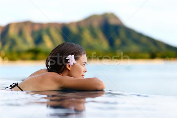 Infini piscine Resort femme détente plage Photo stock © Maridav