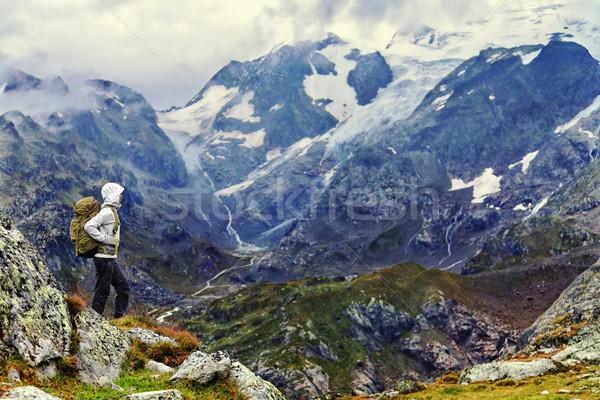 Stock fotó: Természetjáró · áll · hegy · kirándulás · kint · női