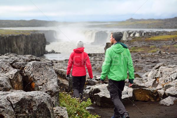Kirándulás emberek Izland természet tájkép vízesés Stock fotó © Maridav