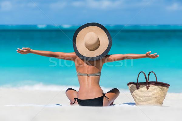 Férias de verão feliz praia mulher férias Foto stock © Maridav
