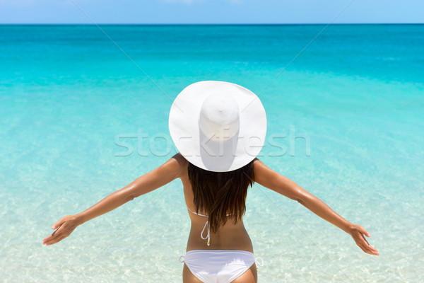 Stock foto: Unbeschwert · Frau · Strand · weiß · hat · bikini