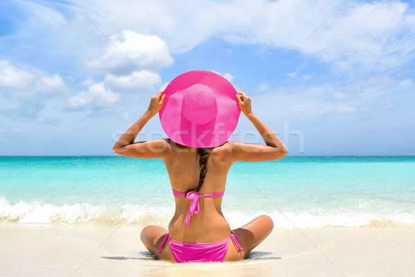 Tengerpart vakáció édenkert rózsaszín bikini nő Stock fotó © Maridav