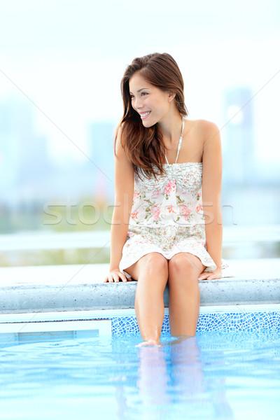Havuz kadın rahatlatıcı oturma yaz elbise Stok fotoğraf © Maridav