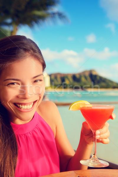 Nő iszik alkohol ital koktél tengerpart Stock fotó © Maridav
