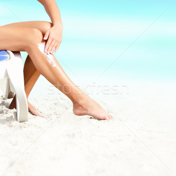 Krem do opalania opalenizna mleczko kosmetyczne kobieta słońce ekranu Zdjęcia stock © Maridav