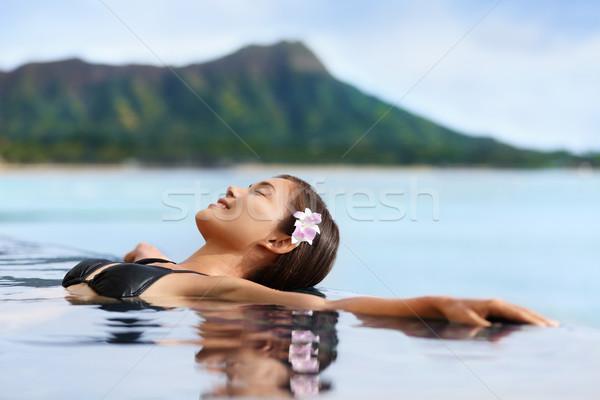 Hawaii vakáció wellness medence fürdő nő Stock fotó © Maridav