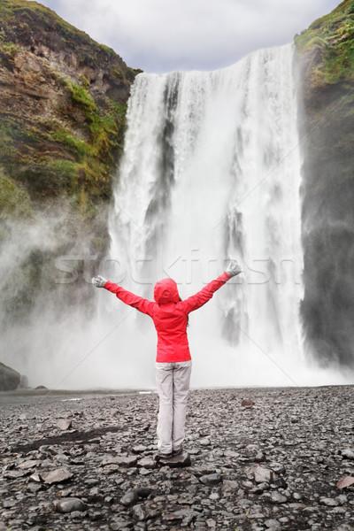 Foto stock: Feliz · mulher · cachoeira · Islândia · posando · sereno
