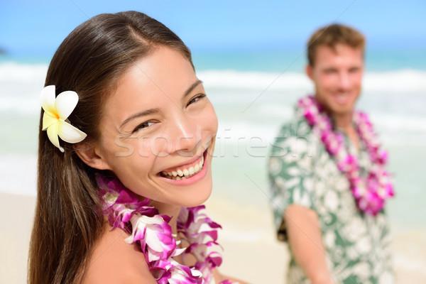 Hawaii pár boldog ázsiai nő virág Stock fotó © Maridav
