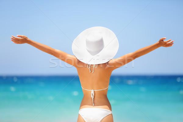 Plaży lata wakacje szczęśliwy wolności kobieta Zdjęcia stock © Maridav