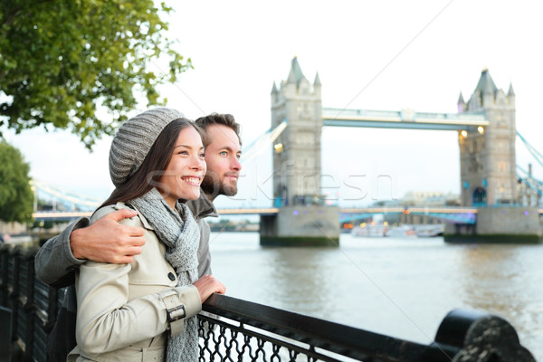 Feliz casal Tower Bridge rio Londres Foto stock © Maridav
