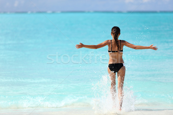 Stockfoto: Vrijheid · bikini · vrouw · oceaan · water