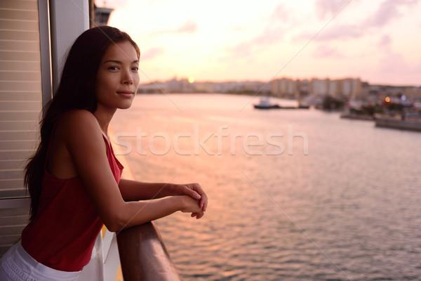 ストックフォト: クルーズ船 · 休暇 · 女性 · バルコニー · 海