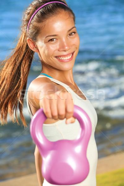 ケトルベル 訓練 女性 クロス 筋力トレーニング ストックフォト © Maridav