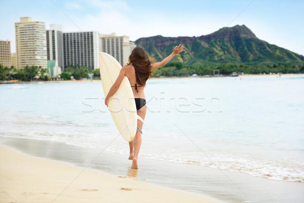 Boldog életstílus szörf nő szörfös Waikiki Stock fotó © Maridav